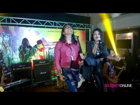 Bunga Angkasa - Drama Band & Sarah Fazny  (Malam Gala Filem Rock Bro)