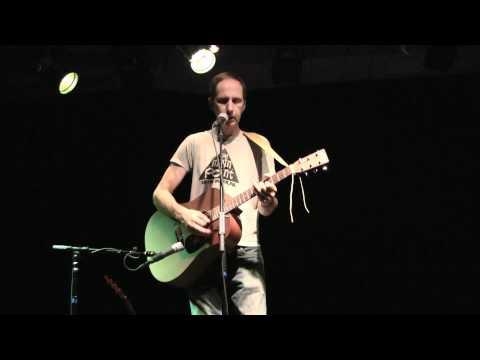 Karl Valentine Performs