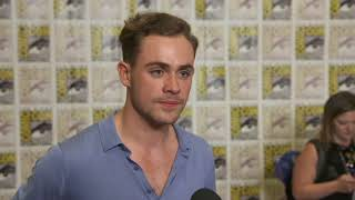 SDCC 2017 : Stranger Things S02 Itw Drace Montgomery (official video)