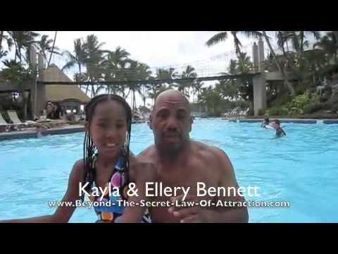 Ellery & Kayla in pool Hawaii 2009