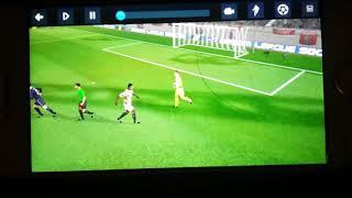 Este video es dream league soccer es muy malo