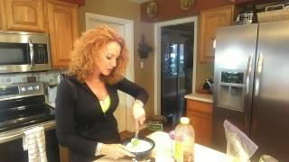 Sassy's Favorite Apple Dip...peanut Butter Honey!