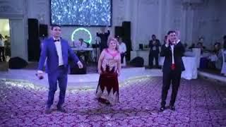 Песня про маму жених на свадьбе  паёт весь зал плачет