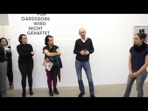KURATORiNNENFÜHRUNG The 'Fashion Show'