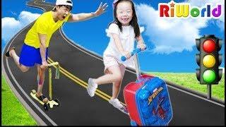 Funny play with Papa by Ride On Toy  리원이와 킥보드 장난감 타고 재밌는 놀이해요