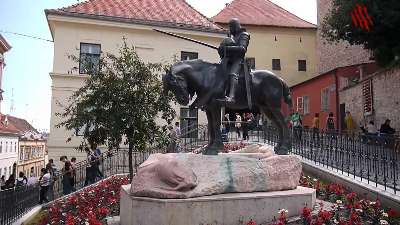 La estatua de san jorge y la puerta de piedra de zagreb for Las puertas de piedra amazon