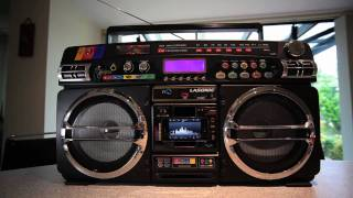 Lasonic i-931X ghetto blaster - the Ultimate iPhone Boombox