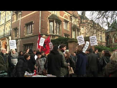 Manifestation contre Marine Le Pen à Oxford
