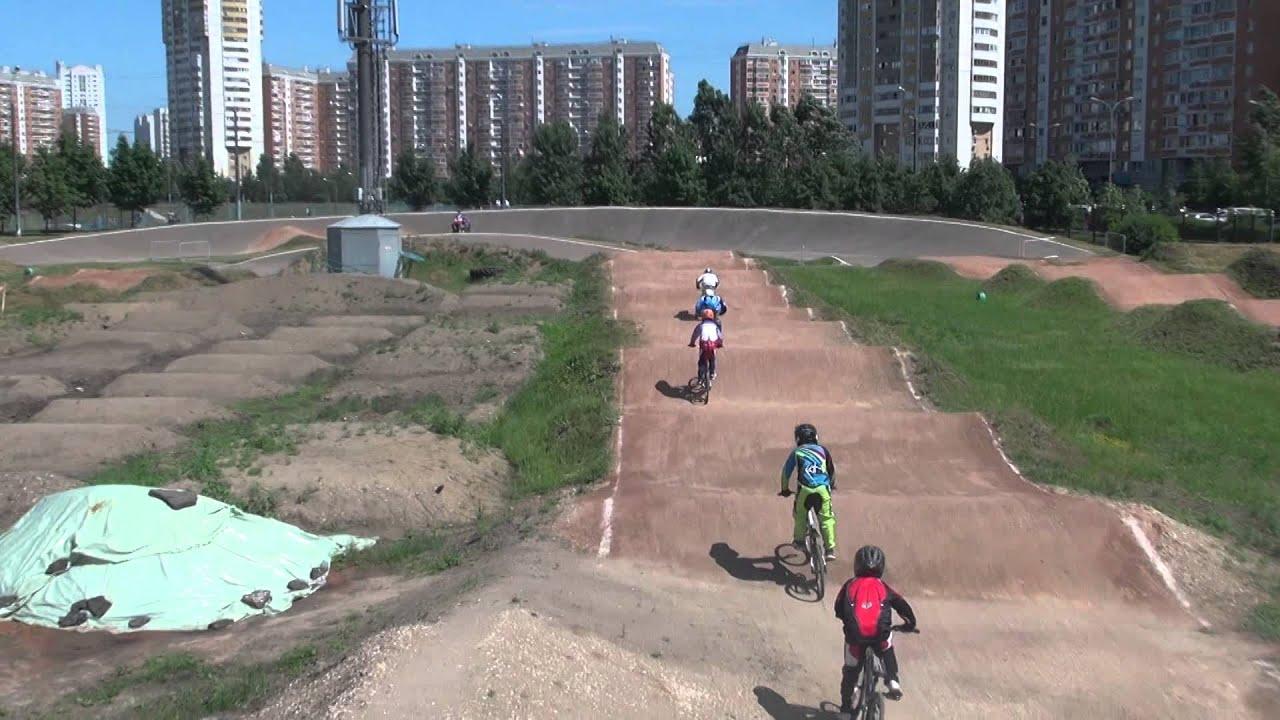 BMX[Пацану лет 12.он катает на BMX.flv - YouTube