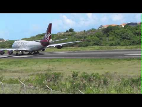 Virgin Atlantic landing in Grenada - VS51.m4v