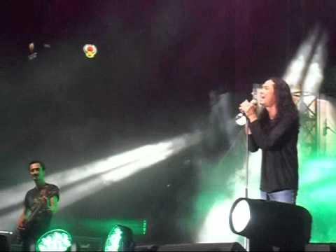 XPDC live at Loudspeaker Concert - Sakinah (Ali) & Titian Perjalanan (Mael)