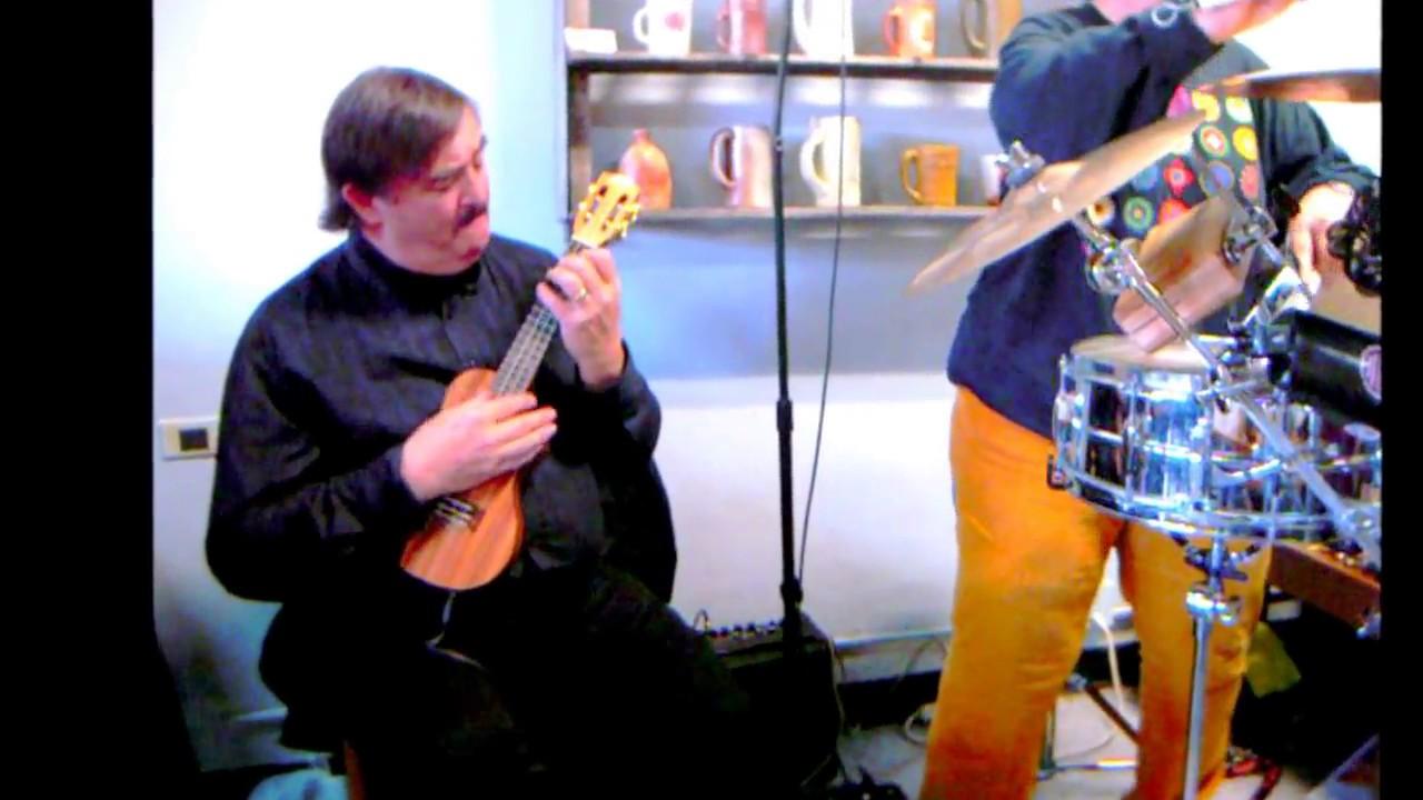 Tiptoe through the tulips instrumental ukulele and guitar youtube tiptoe through the tulips instrumental ukulele and guitar hexwebz Images