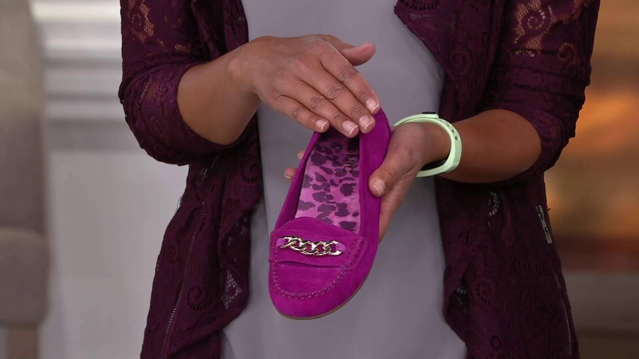 60b32ad5743 Vionic Orthotic Suede Moccasins w  Chain - Mesa on QVC - YouTube