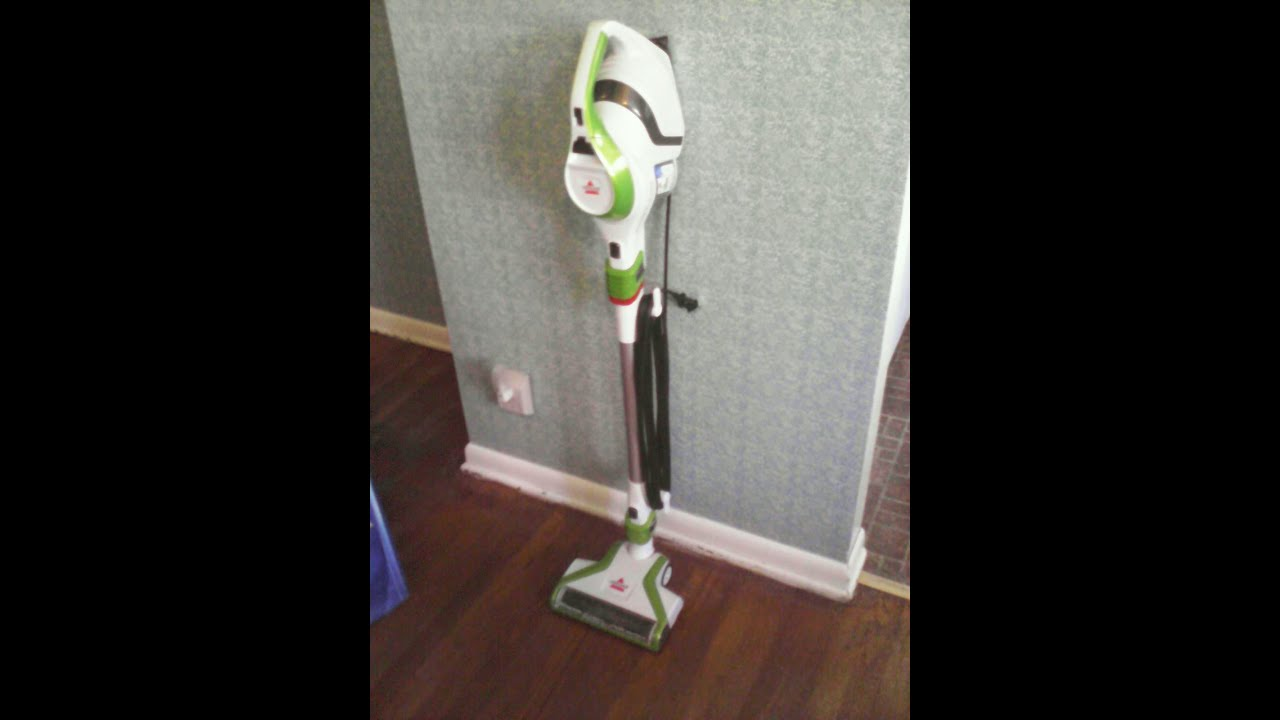 Bissell Powerlifter Super Light Upright Vacuum 1576, A MUST For HARDWOOD  FLOORS!