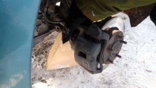 мазда премаси снять передний тормозной диск (супорт)