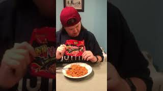 Geeky Girl Fails at the Samyang 2X Noodle Challenge