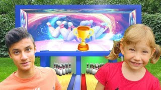 Alena and Pasha play a sports game