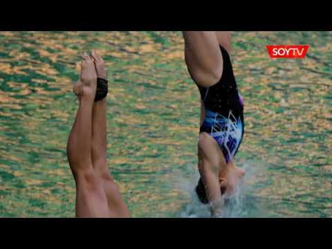 La tonalidad verdosa del agua sorprendió a los clavadistas en Río de Janeiro