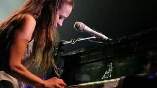 Fiona Apple_The way things are (lyrics on screen)