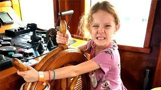 78. Sailboat Story - Annapolis Sailboat Show + Q&A