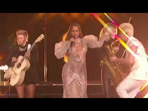 CMA Awards 2016 HIGHLIGHTS | Beyonce Performs, Dolly Parton Honored