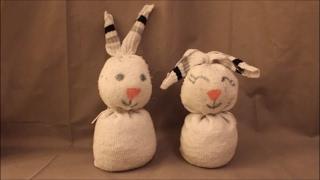 DIY: Osterhase Socken basteln: ohne nähen / Ostern Frühling Deko