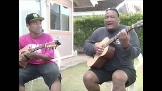 Def TechのMicroとKaʻau Crater BoysのErnie Cruz, Jr