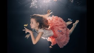 Underwater photo session with Chiar...