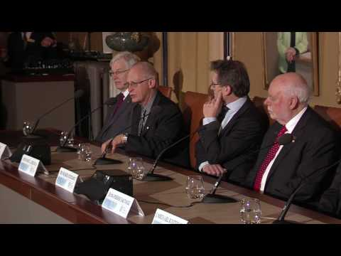 Press conference with the Nobel Laureates in Physics and Chemistry and the Laureate in Economic Scie