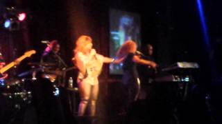 MARY MARY LIVE IN NYC IT'S THE GOD IN ME