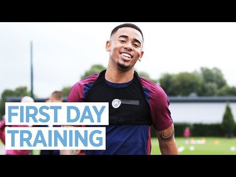 FIRST PRE-SEASON TRAINING SESSION! | Man City 2017-18