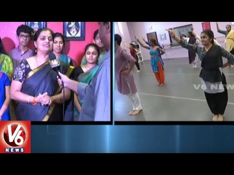 Vaani Eshwar Running Dance School In Dallas | Classical Dancers In US | V6 News