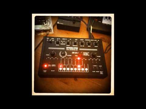 Acidlab Bassline 3 Analogue Synthesizer - Roland TB 303 Clone- Sound Demo