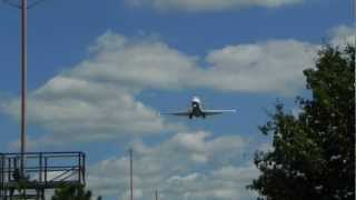 Hartsfield-Jackson International Airport - Delta Airlines & AirTran arrivals into Rwy 26R
