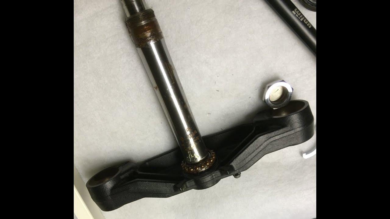 Разборка рулевой колонки и замена рулевых подшипников на Kawasaki VN1700 Voyager
