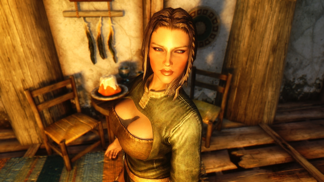 Skyrim: How to change your wife's clothes or armor