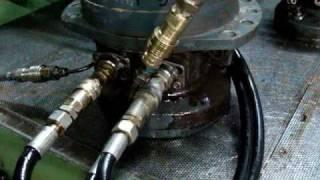 Essais moteur hydraulique poclain moissoneuse batteuse Hege 180 reparation pompe hydraulique