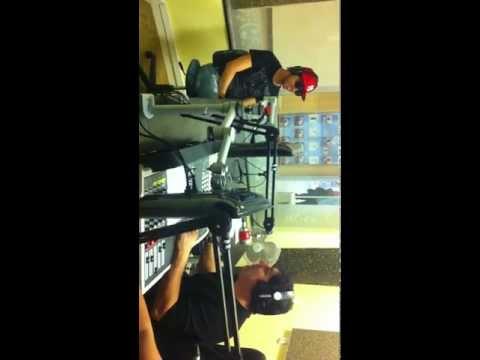 ENTREVISTA COM RAFINHA NA RADIO HOT FM  PARTE 1