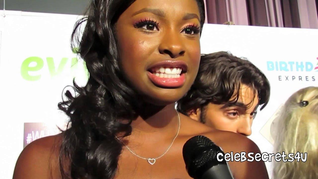 Coco Jones Sings \