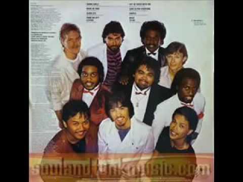 Bruno Mars a pompé cette chanson pour Uptown Funk !! PLAGIAT !!