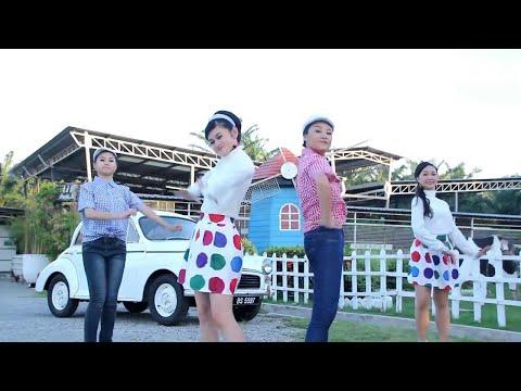[Q-Genz 巧千金] 拜年 舞蹈版 -- 春风得意 2017 (Official Video)
