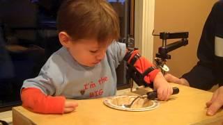 adaptive feeding device