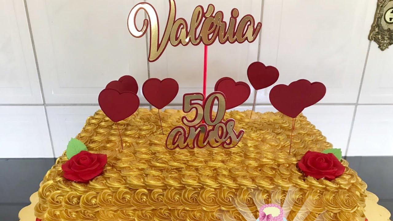Bolo Dourado Com Vermelho Especial 50 Anos