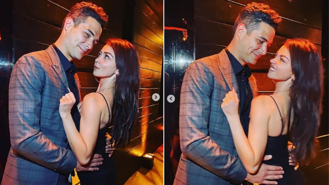 Sarah Hyland & Wells Adams Have Put Wedding Plans 'on Hold ...