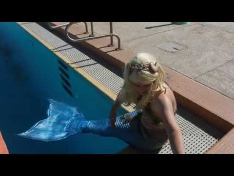 Mermaid Whims at her local pool