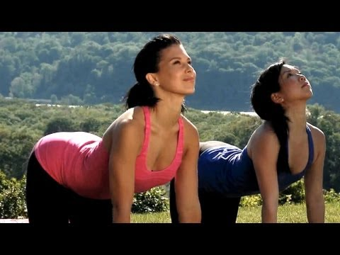 20 minute yoga class with hilaria baldwin deep stretching
