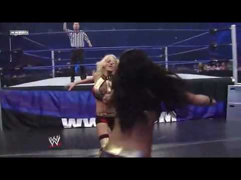 Gail Kim 2009 WWE Smackdown: ...