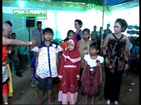 Bajang Koplak Selogiri bagi bagi uang, Wonogiri
