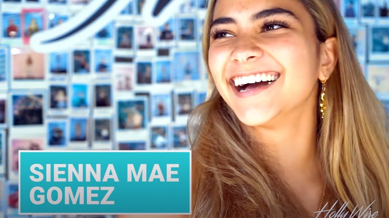 Sienna Mae Gomez FACETIMES Jack Wright & FANGIRLS Over Zendaya! | Hollywire