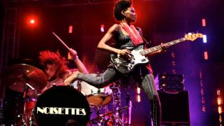Music Never Dies (Dub) [Bonus Track] Noisettes ( Contact )